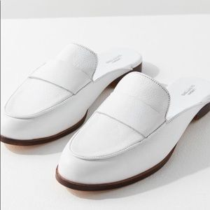 Urban Outfitter | Creamy white leather loafer mule